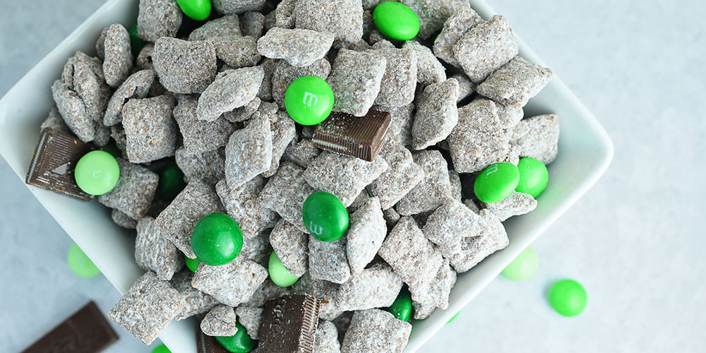 Chocolate-Mint-Puppy-Chow-featured