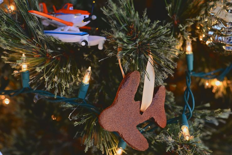 Cinnamon-Plane-Ornament