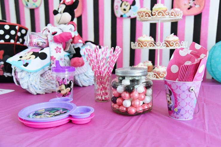Beautiful Minnie Mouse Baby Shower Decorations